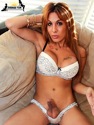 Big Dick Latina TRANNY bares all for you!